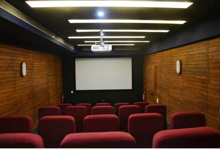 25 Seat AC Theatre